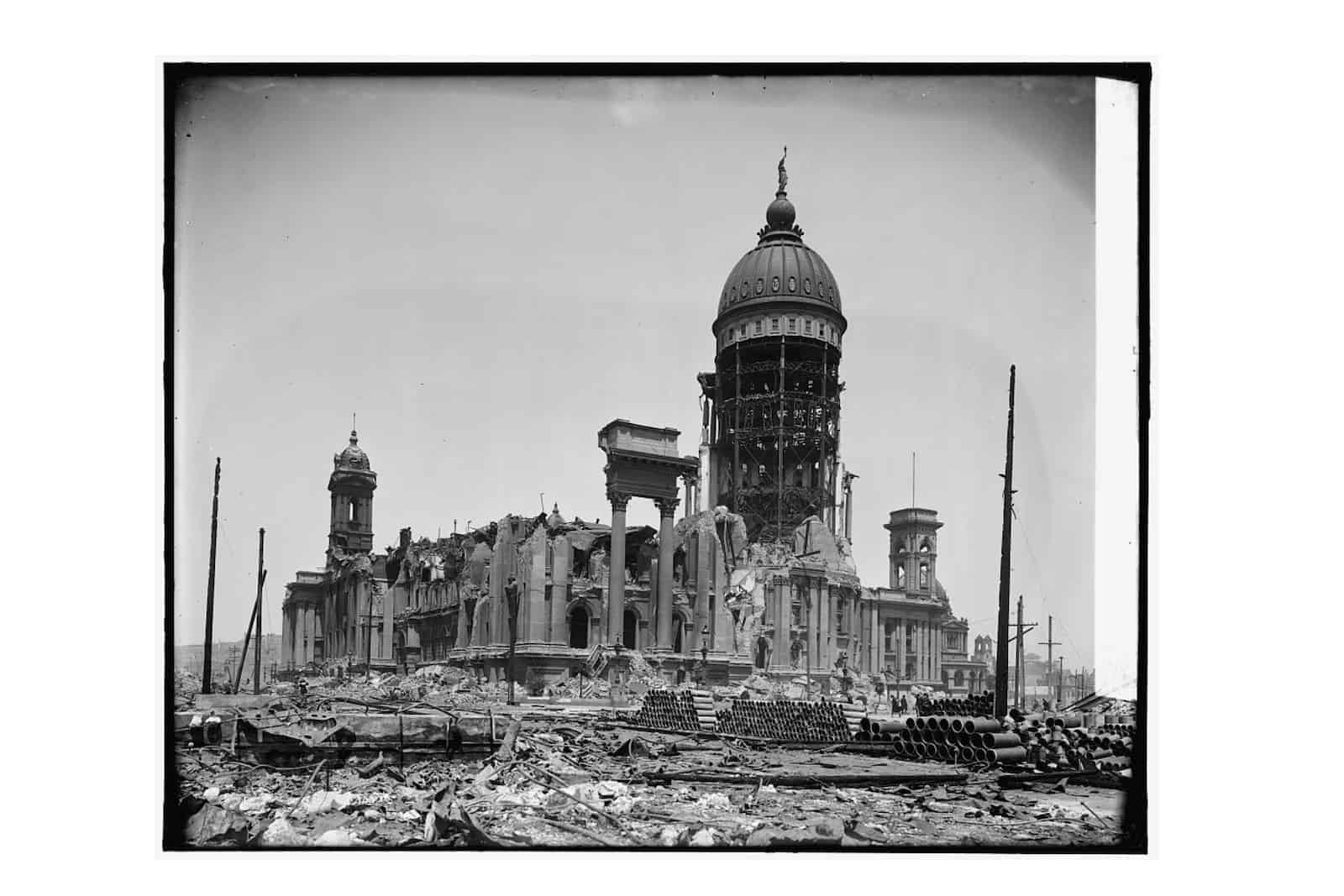 San Francisco's old city hall destroyed by 1906 Earthquake